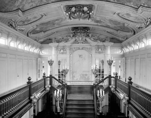 d3-stairway-gallery-loc