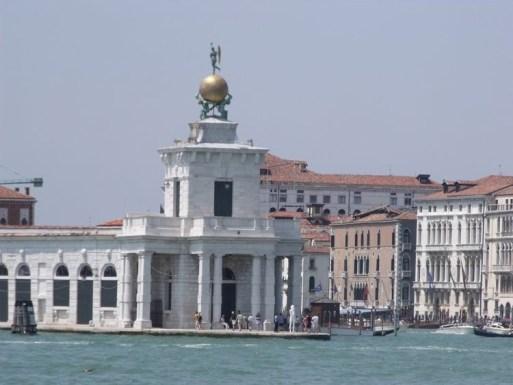 Punta_della_Dogana