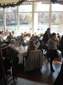 Dining room......full of tourists